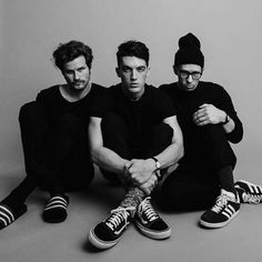 Indie dream pop band LANY bring the dance party to Irving Plaza this Friday! Band Pictures, Band Photos, Lany Band, Ilysb Lany, Paul Jason Klein, Interview, Band Photography, Studio Shoot, Teen Vogue