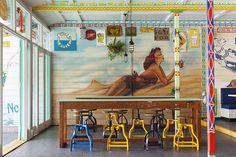 Cranky Fins Holidae Inn, Palm Beach