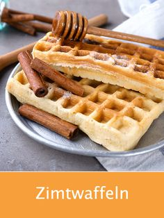 These waffles with a hint of cinnamon simply taste good and are quick to . - These waffles with a hint of cinnamon simply taste good and are quick to make. Healthy Dessert Recipes, Cookie Recipes, Breakfast Recipes, Desserts, Banana Chips, Belgian Waffles, Breakfast Toast, Crepe Recipes, Christmas Brunch