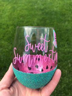Items similar to Sweet summertime peekaboo wine glass on Etsy - Decorated wine glasses - Glitter Wine Glasses, Diy Wine Glasses, Decorated Wine Glasses, Painted Wine Glasses, Glitter Cups, Wine Glass Sayings, Wine Glass Crafts, Wine Bottle Crafts, Diy Tumblers