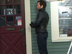 Once Upon a Time's Eion Bailey on location in Vancouver (photo by Michelle Carlbert)