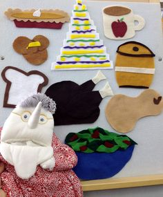 I Know an Old Lady Who Swallowed a Pie flannel board for Thanksgiving Storytime