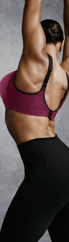 An adustable bra made for sport. The new Nike Pro Hero Bra has an easy on-and-off clasp so that you can take on your training.