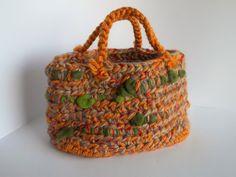 Borsa artigianale in lana fatta a mano con  di ShimonaCreations