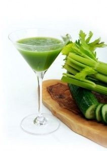 green juice - have no juicer but can make do in the blender; found this image on the site of a crossfitter, apparently the paleo and raw diets are converging even more...