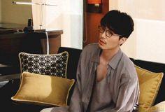 """Singles"" Posts Candid Shots of Actor Lee Dong Wook Asian Actors, Korean Actors, Korean Dramas, Lee Dong Wook Photoshoot, Lee Dong Wok, Park Bo Gum, Jay Park, Dream Boy, Korean Star"