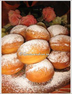 Oetker Coaja rasa de la o lamaie 1 Romanian Desserts, Romanian Food, Beignets, Jacque Pepin, Pancakes, Galette, Yummy Food, Delicious Recipes, Bakery