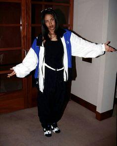b1910efb16065 Aaliyah Aaliyah Haughton
