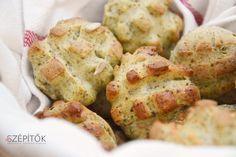 Klasszikus házi pogácsa kicsit másként: tökmagliszttel. Nagyon jó ízű – kívül ropogós, belül finom puha. Hozzávalók 20dkg finom búzaliszt 20dkg tökmagliszt az arányokkal kís… Izu, Baked Potato, Potato Salad, Cauliflower, Low Carb, Potatoes, Bread, Snacks, Baking