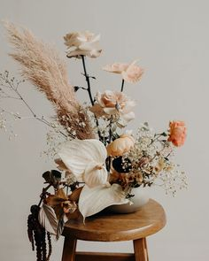 the new wave of floristry 2019 exotic floral arrangement by selva. / sfgirlbybay The post the new wave of floristry 2019 appeared first on Floral Decor. Modern Floral Arrangements, Dried Flower Arrangements, Flower Vases, Dried Flowers, Floral Centrepieces, Floral Decorations, Vase Arrangements, Wedding Centerpieces, Home Flowers