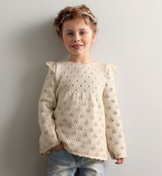 Lovely combination of lacy stitches. Cute butterfly wings.