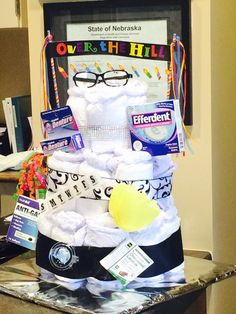 over the hill adult diaper cake gift ideas pinterest geburtstag geschenke und party. Black Bedroom Furniture Sets. Home Design Ideas