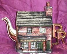 PAUL-CARDEW-BOVEY-POTTERY-LARGE-CORONATION-STREET-ROVERS-RETURN-TEAPOT Coronation Street, Devon, Teapot, England, Pottery, Ebay, Ceramica, Tea Pot, Pottery Marks