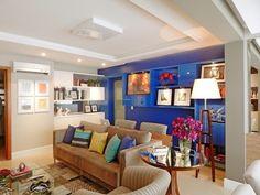 Sala de estar colorida!  https://www.homify.com.br/livros_de_ideias/22978/tour-virtual-uma-casa-ecletica