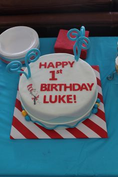 dr. seuss birthday cake | Dr. Seuss Birthday Cake | Finding Joy