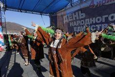 День народного единства отметили в каждом регионе России.             По данным ТАСС, в праздничных мероприятиях, посвященных Дню народного единства, приняли участие более 600 тыс