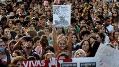 41 fotos de la marcha de mujeres a Plaza de Mayo - Infobae