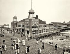 """The Jersey Shore circa """"Steel Pier, Atlantic City. Makes me think of one of my favorite dramas, """"Boardwalk Empire. Old Pictures, Old Photos, Vintage Photos, Vintage Photographs, Vintage Postcards, Antique Photos, Rare Photos, Shorpy Historical Photos, Historical Pictures"""