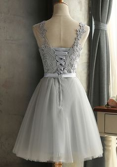 Grau Spitze Rundhals Rückenfreies Tüllkleid Sexy Abschlusskleid Abendkleider Kurz Brautjungfernkleid