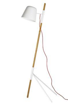 Lampadaire BoConcept Outrigger, 479 euros, disponbile au Printemps http://www.vogue.fr/mariage/adresses/diaporama/la-liste-de-mariage-voguefr-x-printemps-collections-maison/18717/carrousel#lampadaire-boconcept-outrigger-479-euros-disponbile-au-printemps