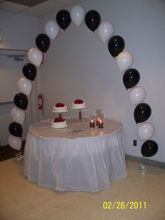 Balloon arch for Will's party