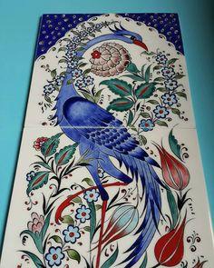 Mavi Anka kuşlu tablo 25× 50 boyutlarında iletişim için DM den yazabilirsiniz Turkish Art, Turkish Tiles, Traditional Tile, Batik Pattern, Vide Poche, Paul Gauguin, Tile Art, Mandala Art, 30