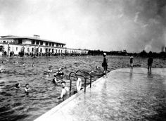 This week, our Scenes of the City photo series takes us to SF's Fleishhacker Pool, once the largest pool in the world. In its heydey, it held 6 million gallons of water and could accommodate 10,000 swimmers. It was so large that the life guards needed row boats. Fed by saltwater from nearby Ocean B...