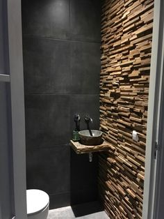 toilet ideas for the smallest room in the house!Toilet ideas - for the smallest room in the house - Wuellen Weld ideas bathroom Scandinavian toilets for 2019 Dark natural toilet - dark Small Toilet Room, Guest Toilet, Downstairs Toilet, Bathroom Design Luxury, Modern Bathroom, Small Bathroom, Bad Inspiration, Bathroom Inspiration, Scandinavian Toilets