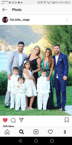 Luis Suarez and Lionel Messi with their families<br> Messi Fans, Messi 10, Good Soccer Players, Best Football Players, Cristiano Ronaldo, Lionel Messi Family, Antonella Roccuzzo, Butt Challenges, Leonel Messi