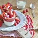 Panna cotta s jahodovo-malinovým přelivem
