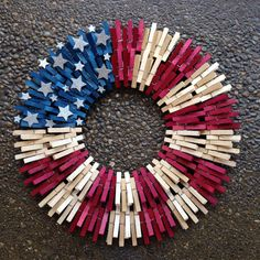 Double flag clothespin wreath by ThreeDogWreaths on Etsy Flag Wreath, Patriotic Wreath, Patriotic Crafts, Patriotic Decorations, July Crafts, Summer Crafts, Diy And Crafts, Arts And Crafts, Wreath Crafts