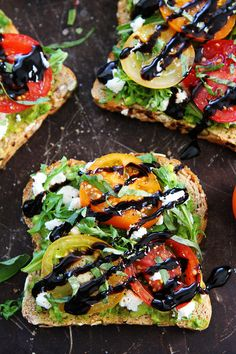 Avocado, tomato and goat cheese toast recipe on twopeasandtheirpo … Avocado toast with tomato, goat's cheese, arugula, basil and a splash of balsamic glaze. The best avocado toast ever! Cheese Toast Recipe, Goat Cheese Recipes, Avocado Dessert, Easy To Make Dinners, Easy Meals, Vegetarian Recipes, Cooking Recipes, Healthy Recipes, Clean Eating Snacks