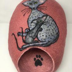 "Ivana Šťastná na Instagramu: ""Pelišek pro ušatice :-)#orientalcat #catcaves #katzenhöhle #домикдлякошки #pelíšek #валяние#мокроеваляние #валяныйдомикдлякошки #"""