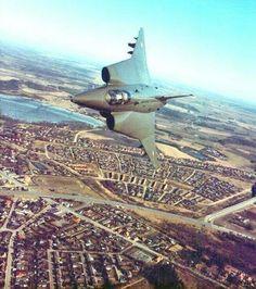 """Saab 35 """"Draken"""","""