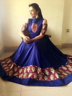 Long Gown Dress, Saree Dress, Sonam Kapoor, Deepika Padukone, Indian Frocks, Indian Attire, Indian Wear, Kalamkari Designs, Kalamkari Dresses