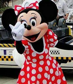 Vem!!!!! Vem pra cá!  Estamos na reta final do novo site!   Convidem seus amigos a curtir a página que amanhã já teremos sorteio de 2 Kits Viagem com direito a presentear também os seus amigos!  Sortearemos 1 Kit para vc e outro para seu amigo, contendo em cada um deles, 1 Porta-Passaporte Disney e 3 crachás de identificação para crianças! Tragam seus amigos pessoal!!!!!