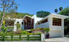 Realtor® specializing in mid century modern homes for sale in Los Angeles. Preservationist for architecture by architect Edward H. Fickett, F.A.I.A.