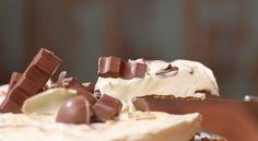 Stop waar je mee bezig bent: deze cheesecake met Kinder Chocolade wil je nú maken