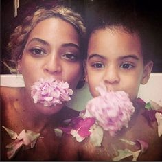Beyonce shares bath tub photos with daughter   Beyoncé shared adorable bathtub photos of her with her little princess Blue Ivy on her website. Another photo after the cut...
