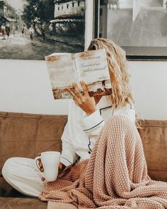 love photoshoot Currently Covetting: A Few Cozy Things You Need This Fall Book Photography, Lifestyle Photography, Morning Photography, Photography Hashtags, Photography Branding, Photography Editing, Photography Services, Landscape Photography, Portrait Photography