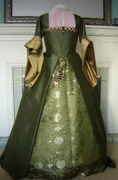 Items similar to CUSTOM Renaissance Tudor French Gown Dress Costume on Etsy Costume Renaissance, Renaissance Clothing, Renaissance Fashion, Tudor Dress, Medieval Dress, Vintage Gowns, Vintage Outfits, Vintage Hats, Tudor Fashion