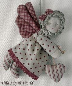 Linda anjinha para mobile em tecido confira mais fotos com tutorial no blog Ulla's link .