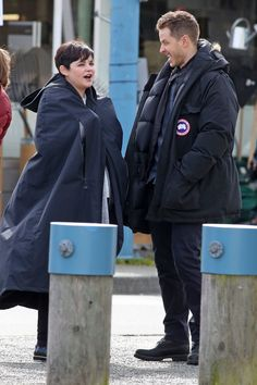 """Josh Dallas and Ginnifer Goodwin - Behind the scenes - 5 * 22 """"Only You"""" - 15 March 2016 Best Tv Shows, Best Shows Ever, Favorite Tv Shows, Captain Swan, Captain Hook, Once Upon A Time, Ginny Goodwin, Josh Dallas And Ginnifer Goodwin, Asymmetrical Pixie"""