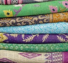 Kantha is a centuries old tradition of intricate and beautiful embroidery practiced by women in India and Bangladesh. The art of kantha embroidery is often a social activity where two or more women work together on a single piece of kantha. Textiles, Trend Board, Quilts Vintage, Indian Blankets, Cotton Blankets, Cotton Quilts, Cotton Fabric, Room Tapestry, Quilted Bedspreads