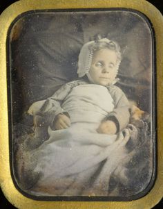 post mortem in Collectibles Memento Mori, Post Mortem Pictures, Elderly Person, Head In The Sand, Post Mortem Photography, Daguerreotype, Vintage Photographs, Victorian Era, Frames On Wall