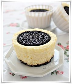 Oreo Mini Cheesecake- I tried this and it's amazing. Nuf said.