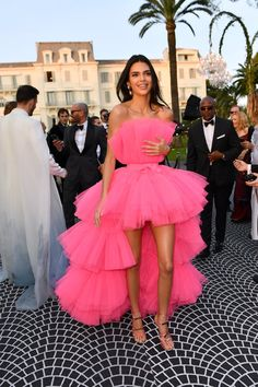 Kendall Jenner Giambattista Valli Pink Dress at Cannes 2019 Gala Dresses, Red Carpet Dresses, Pink Dress, Dress Up, Tulle Dress, Kendall Jenner Outfits, Kendall Jenner Runway, Kendall Jenner Dress, Kardashian Kollection