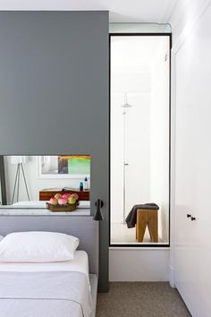 A Bathtub in the Bedroom: Do or Don't?   Apartment Therapy