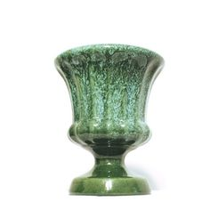 A beautiful and functional piece of pottery made by Haeger USA, in an amazing green and aqua drip glaze. No chips or cracks. Measures 7.5 in