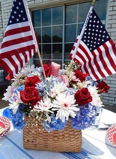 Have you started off with Patriotic day decorations? Is your Patriotic day table set? Now its time to work on some Patriotic Centerpieces. Fourth Of July Decor, 4th Of July Celebration, 4th Of July Decorations, 4th Of July Party, 4th Of July Wreaths, Church Decorations, Birthday Decorations, Table Decorations, Patriotic Crafts